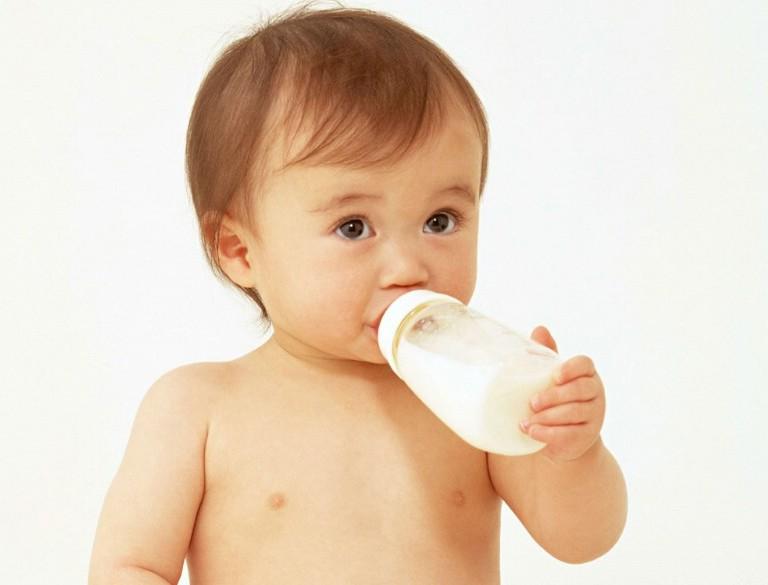 生子祝福语   恭喜你们俩喜得贵子,愿新生的小宝贝给你们带来无尽的幸福和快乐!祝新妈妈身体健康,万事如意!愿小宝宝每天健康成长!   恭喜了,当父亲了吧,请记住:孩子是个宝,父母照顾好;孩子是棵树,父母要扶正;孩子是天才,父母要鼓励;祝福孩子健康成长,全家欢乐,生活如意!